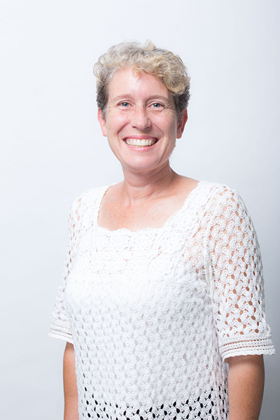 Debbie  Oosthuizen